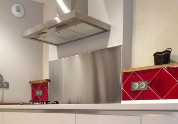 plaksteel fotos von k chenr ckw nden aus edelstahl eingebaute k chenr ckw nde. Black Bedroom Furniture Sets. Home Design Ideas
